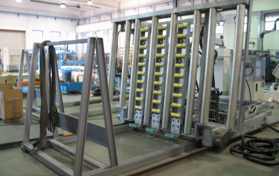 Loading and unloading systems for slabs CL-SCA
